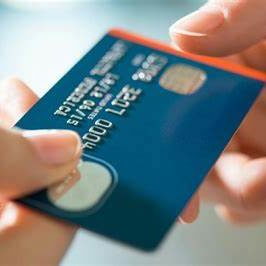 Using Your Credit Card to Build a Good Credit Score